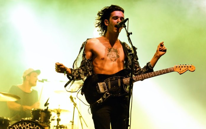 Matt Healy, do The 1975, no festival Benicassim em 2014