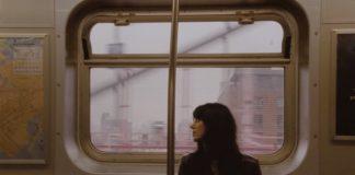Sharon Van Etten no clipe de Seventeen