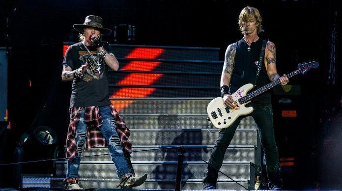 Axl Rose e Duff McKagan (Guns N' Roses)