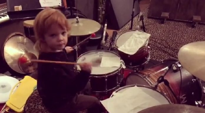 Filho Josh Homme Brody Dalle Joan Jett