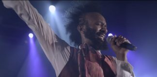 "Fantastic Negrito no clipe de ""A Boy Named Andrew"""