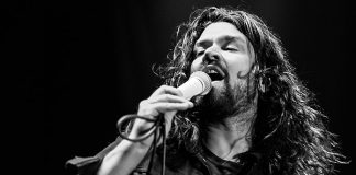 Adam Lazzara, do Taking Back Sunday