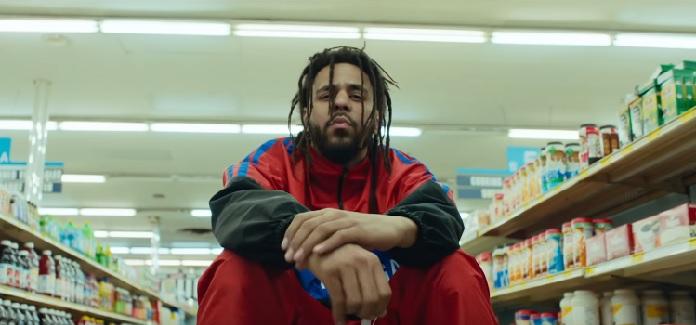 """J. Cole no clipe de """"Middle Child"""""""