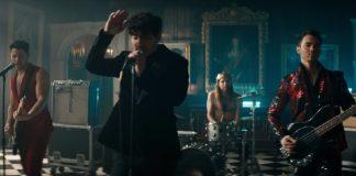 "Clipe de ""Sucker"", dos Jonas Brothers"