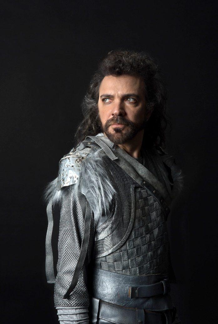 Paulinho Moska como Rei Artur