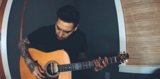 Mike Herrera, do MxPx, toca Millencolin