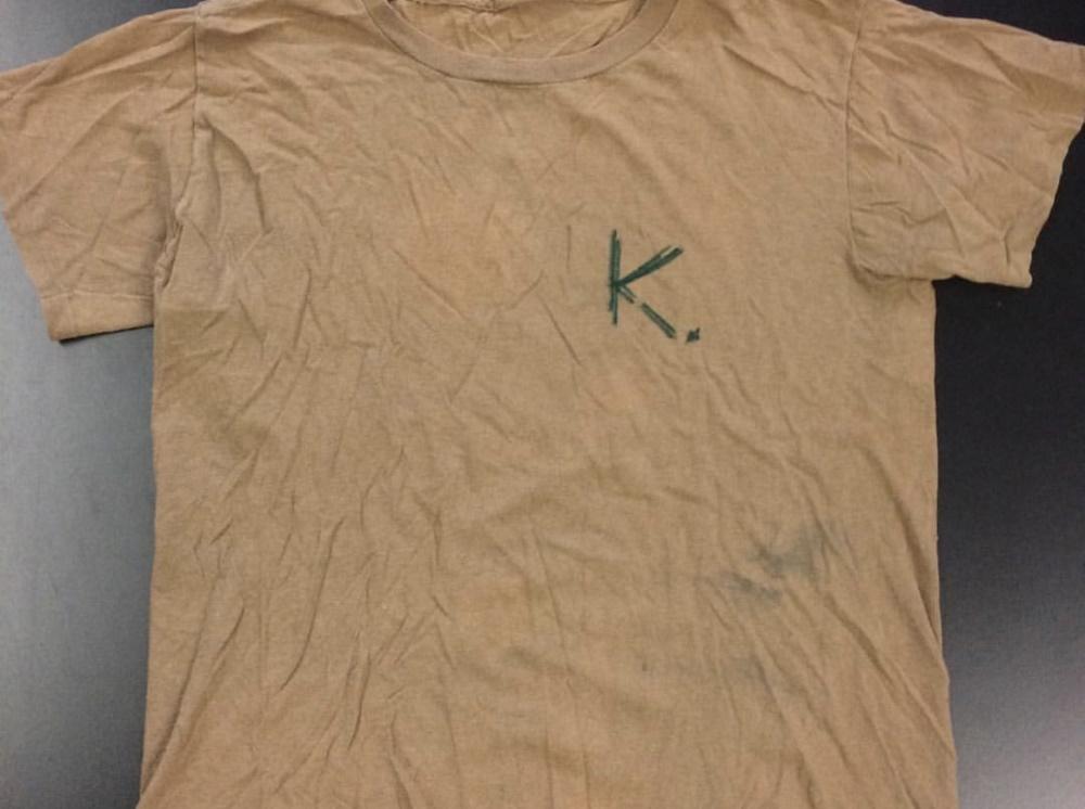 Camiseta de Eddie Vedder em homenagem a Kurt Cobain