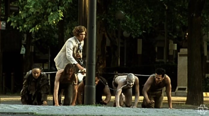 Rammstein no clipe de Mein Teil