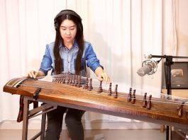 Artista coreano tocando Paranoid Android, do Radiohead, no gayageum