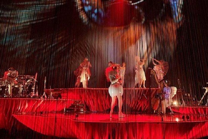 Björk novo show