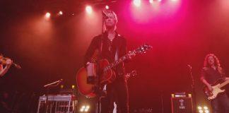 Duff McKagan faz tributo a Layne Staley, Scott Weiland e Chris Cornell