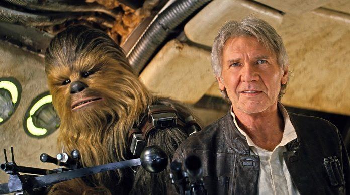 Han Solo (Harrison Ford) e Chewbacca (Peter Mayhew) em Star Wars