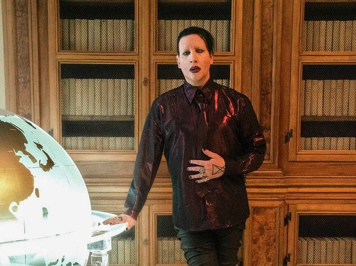 Marilyn Manson The New Pope Capa