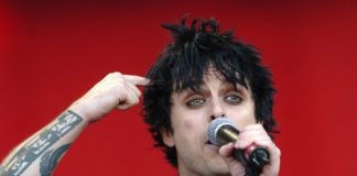 Billie Joe Armstrong, do Green Day, em 2005