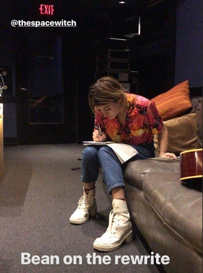 Frances Bean Cobain em estúdio