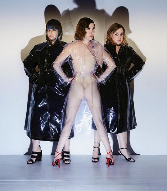 Sleater-Kinney - Hurry On Home