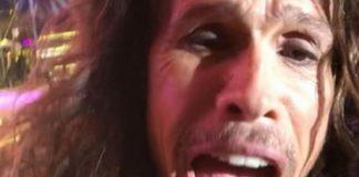 Steven Tyler faz vídeo/selfie com celular de fã