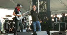 Tom Morello e Serj Tankian tocam Like A Stone para Chris Cornell