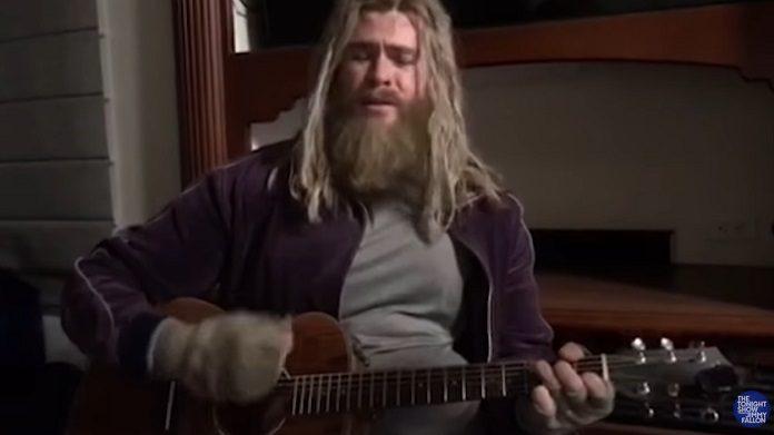 Chris Hemsworth Thor Gordo