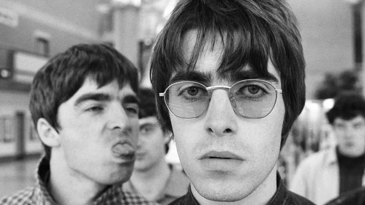 Noel Gallagher xinga até a própria mãe ao disparar críticas contra Liam