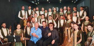 Músicos armênios tocam Black Sabbath para Tony Iommi e Ian Gillan