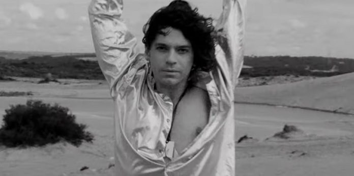 Michael Hutchence no INXS