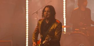 The Raconteurs Jack White no Colbert