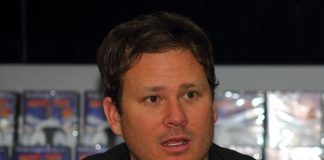 Tom DeLonge (blink-182, Angels and Airwaves)