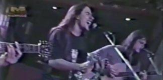 Andre Matos canta Carry On com o Angra
