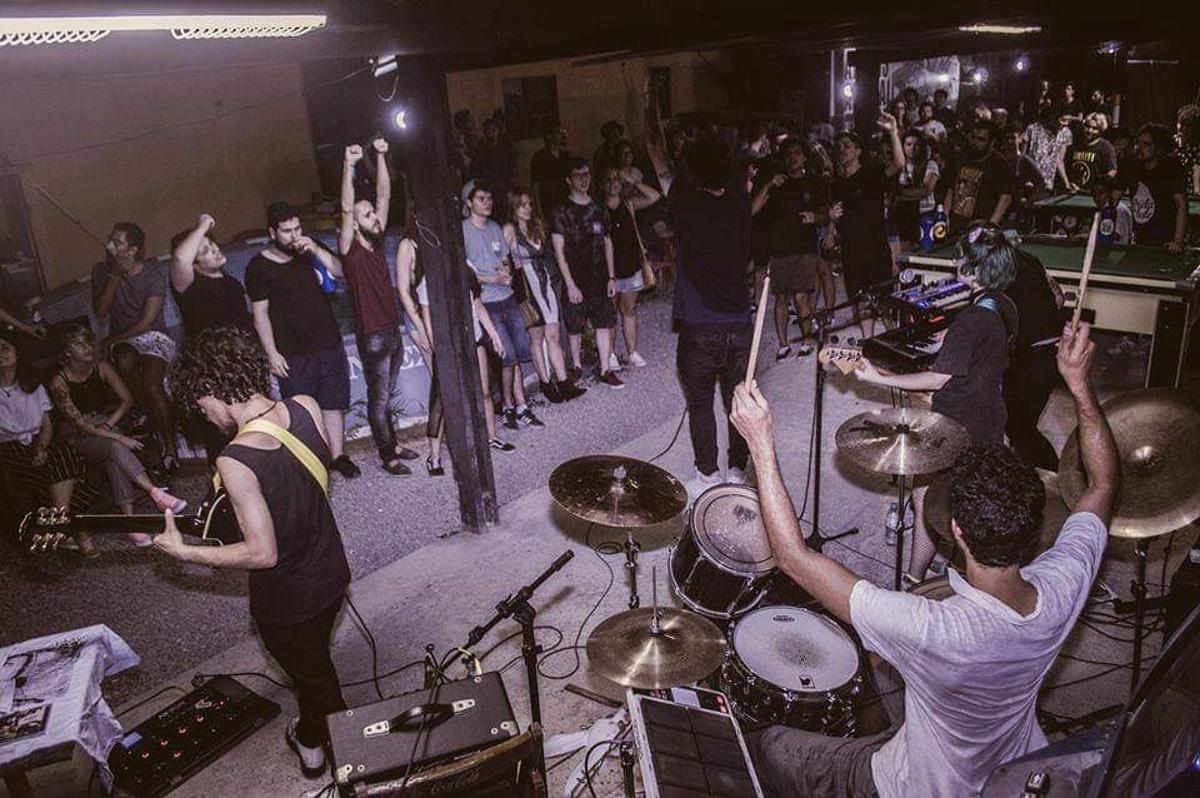 A banda Depois da Tempestade toca na décima terceira edição do Alternapalooza, evento realizado com apoio da Peixinho Records
