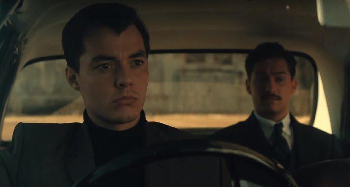 Alfred e Thomas Wayne no trailer de