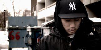 Rapper com boné do New York Yankees