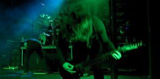 Suicide Silence toca KoRn