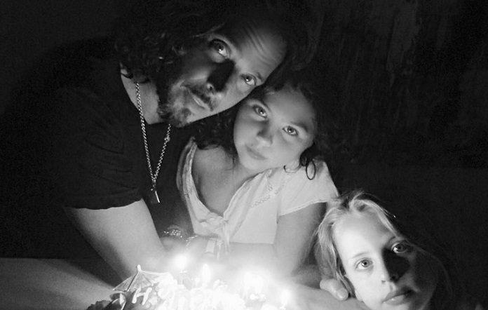 Chris Cornell e filhos