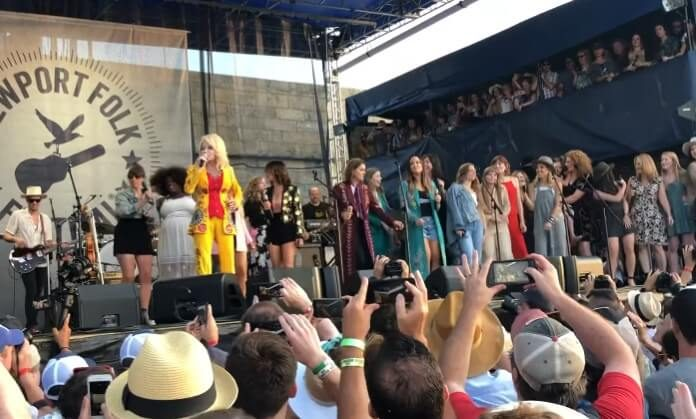 Dolly Parton no Newport Folk Festival