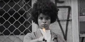 """Vaneza Oliveira no clipe de """"Se Hoje Tá Assim"""" (Francisco, el Hombre)"""