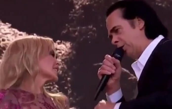Kylie Minogue e Nick Cave no festival de Glastonbury