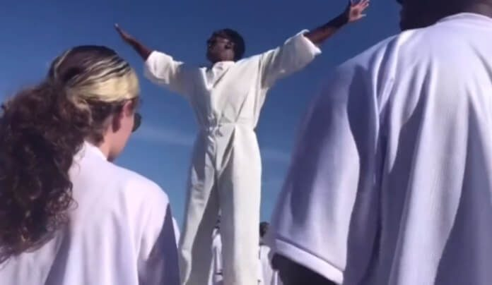 Missa de Kanye West ao som de Nirvana