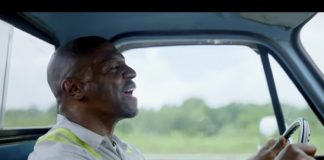 "Terry Crews no clipe de ""Stay High"" (Brittany Howard)"