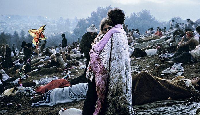 Casal do Woodstock, foto por Burk Uzzle
