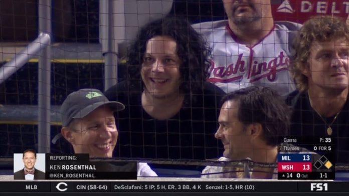 Jack White em jogo de baseball
