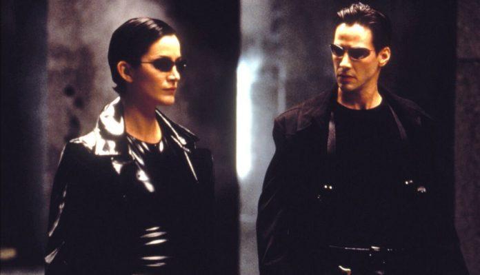 Trinity e Neo em Matrix