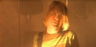 "Kurt Cobain em ""Smells Like Teen Spirit"", do Nirvana"