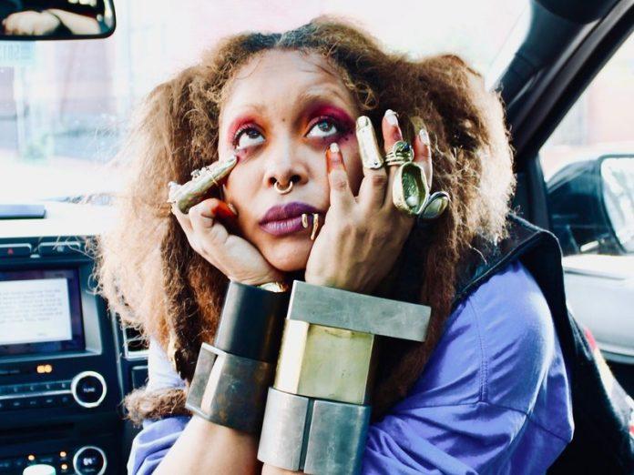 Erykah Badu volta ao Brasil em Novembro