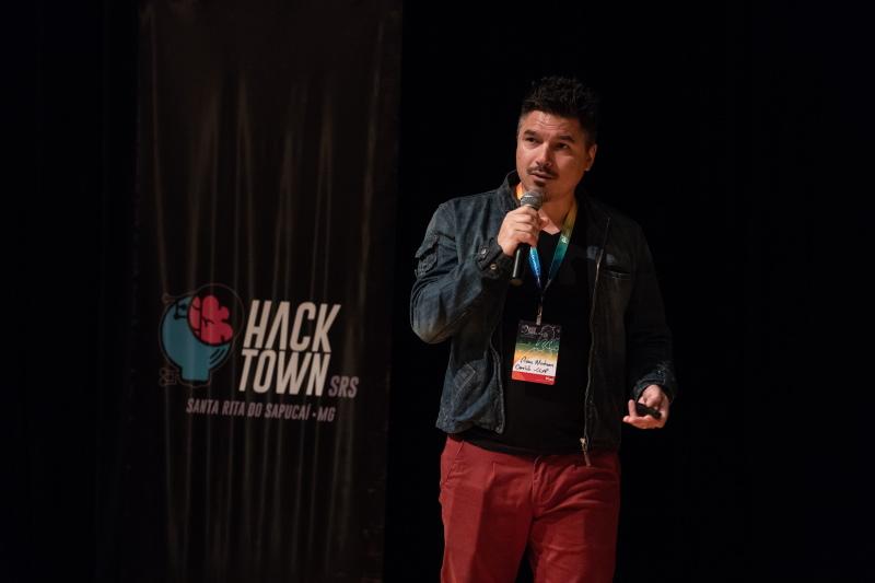 Pierre Mantovani (CCXP / Omelete) no Hacktown 2019