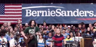 Jack White no comício de Bernie Sanders