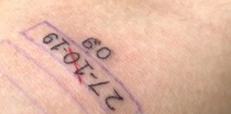 Gustavo, fã de Bebe Rexha, tatua data do Rock In Rio