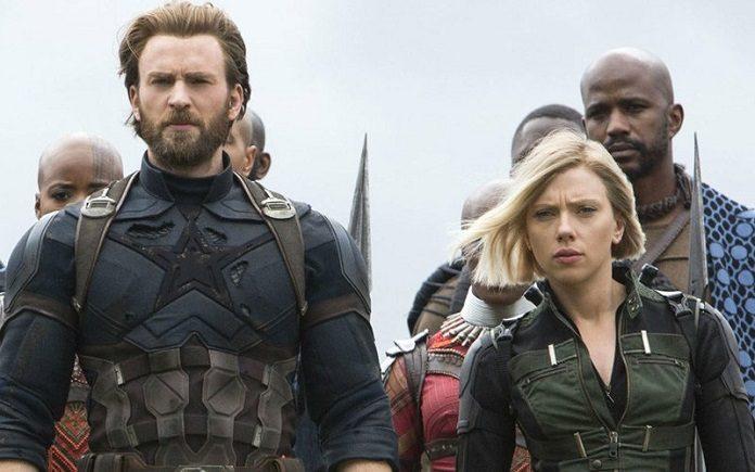 Chris Evans e Scarlett Johansson em Vingadores Ultimato, da Marvel