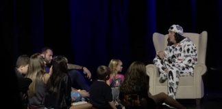 Paul Stanley (KISS) contando histórias