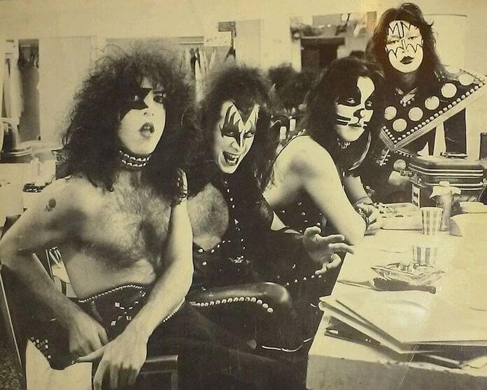 KISS (1975)